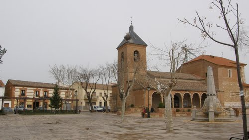 Plaza Mayor De Alovera